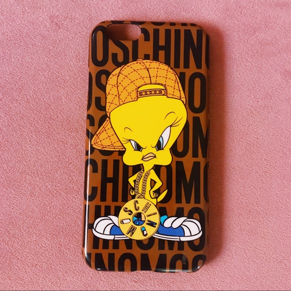 timeless design 4de25 97bc0 Moschino Tweety Bird iPhone 6 phone case
